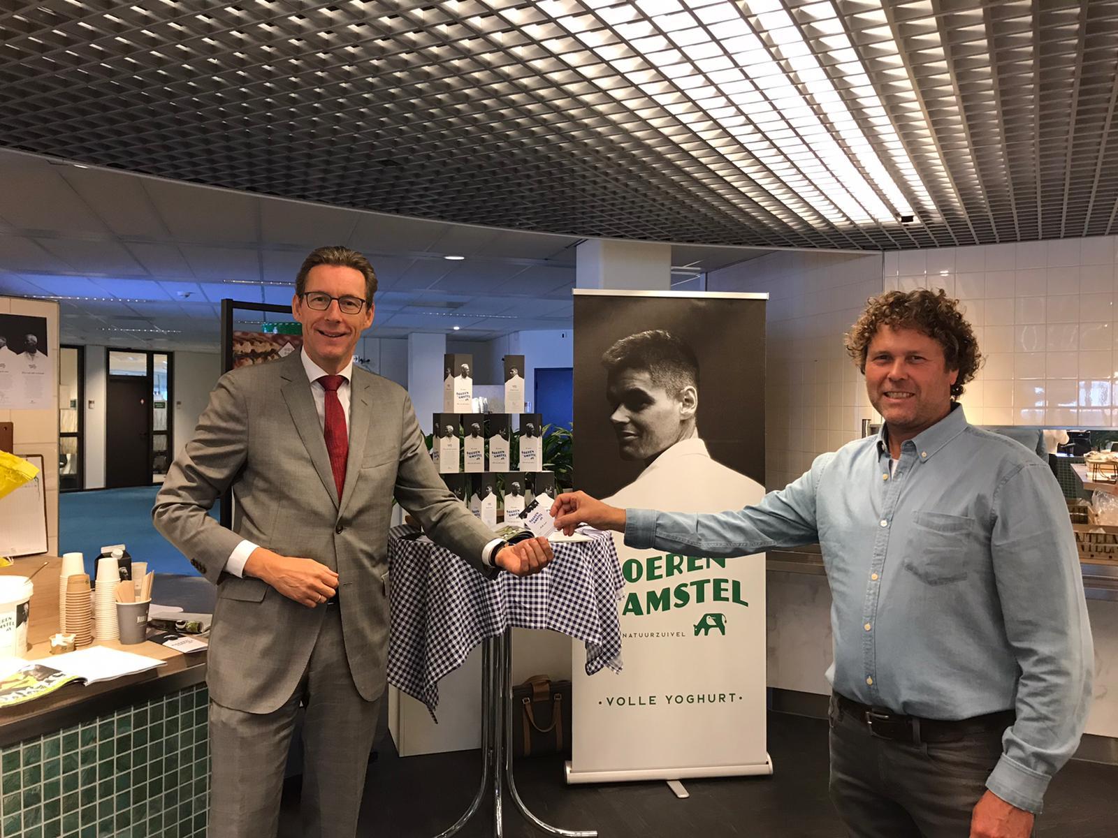 https://www.boerenvanamstel.nl/wp-content/uploads/2020/09/Boeren-van-Amstel-op-bezoek-bij-Tjapko-Poppens-burgemeester-van-Amstelveen.jpeg